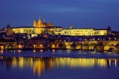 <h3>Jarní Praha</h3><p>Jakub Matějec: 'Teplý jarní večer, nebe bez mraků a hrad se krásně odráží od hladiny Vltavy.'</p><hr /><a href='http://www.facebook.com/sharer.php?u=https://www.milujuprahu.cz/kdo-dostal-v-roce-2013-nejvice-liku-jakub-matejec-podivejte-se-proc/' target='_blank' title='Share this page on Facebook'><img src='https://www.milujuprahu.cz/wp-content/themes/twentyten/images/flike.png' /></a><a href='https://plusone.google.com/_/+1/confirm?hl=en&url=https://www.milujuprahu.cz/kdo-dostal-v-roce-2013-nejvice-liku-jakub-matejec-podivejte-se-proc/' target='_blank' title='Plus one this page on Google'><img src='https://www.milujuprahu.cz/wp-content/themes/twentyten/images/plusone.png' /></a><a href='http://www.pinterest.com/pin/create/button/?url=https://www.milujuprahu.cz&media=https://www.milujuprahu.cz/wp-content/uploads/2014/01/04.Jarni_Praha.jpg&description=Next%20stop%3A%20Pinterest' data-pin-do='buttonPin' data-pin-config='beside' target='_blank'><img src='https://assets.pinterest.com/images/pidgets/pin_it_button.png' /></a>