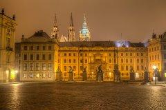 <h3>Hrad v mlze</h3><p>Jakub Matějec: 'Pražský hrad v mlhavém oparu. Doporučuji sem vyrazit po 22 hod. večer, kdy se kolem hradu můžete procházet úplně sami. :)'</p><hr /><a href='http://www.facebook.com/sharer.php?u=https://www.milujuprahu.cz/kdo-dostal-v-roce-2013-nejvice-liku-jakub-matejec-podivejte-se-proc/' target='_blank' title='Share this page on Facebook'><img src='https://www.milujuprahu.cz/wp-content/themes/twentyten/images/flike.png' /></a><a href='https://plusone.google.com/_/+1/confirm?hl=en&url=https://www.milujuprahu.cz/kdo-dostal-v-roce-2013-nejvice-liku-jakub-matejec-podivejte-se-proc/' target='_blank' title='Plus one this page on Google'><img src='https://www.milujuprahu.cz/wp-content/themes/twentyten/images/plusone.png' /></a><a href='http://www.pinterest.com/pin/create/button/?url=https://www.milujuprahu.cz&media=https://www.milujuprahu.cz/wp-content/uploads/2014/01/07.Hrad_v_mlze.jpg&description=Next%20stop%3A%20Pinterest' data-pin-do='buttonPin' data-pin-config='beside' target='_blank'><img src='https://assets.pinterest.com/images/pidgets/pin_it_button.png' /></a>