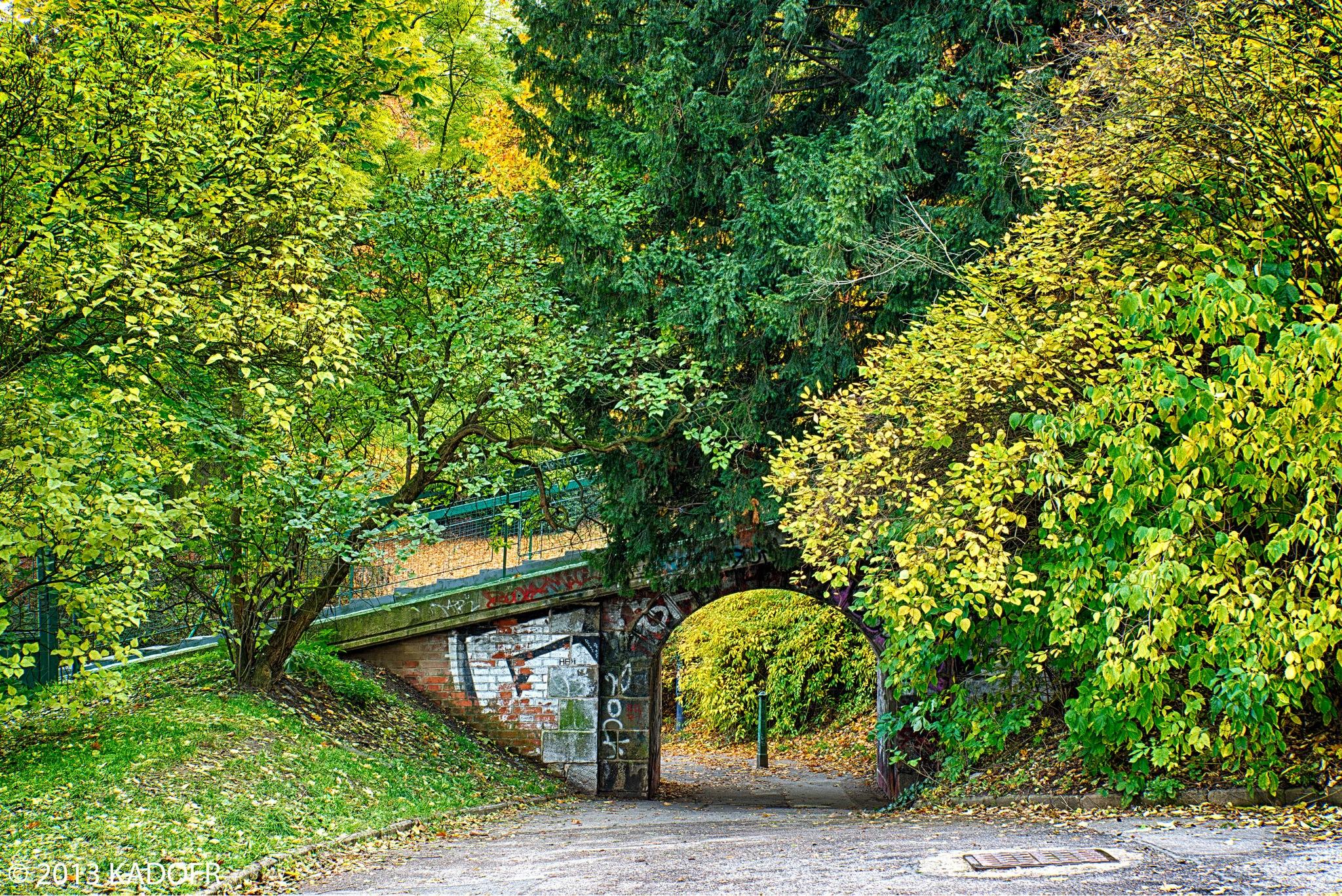 Lanovka dopravuje Pražany a turisty na vrch Petřín už od roku 1891, kdy se v Praze konala Jubilejní výstava a byla postavena Petřínská rozhledna - (Foto: Karel Dobeš)