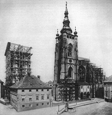 Od padesátých let 19. století probíhaly opravné práce a 1. 10. 1873 byl položen základní kámen k dostavbě trojlodí podle projektu Josefa Mockera,