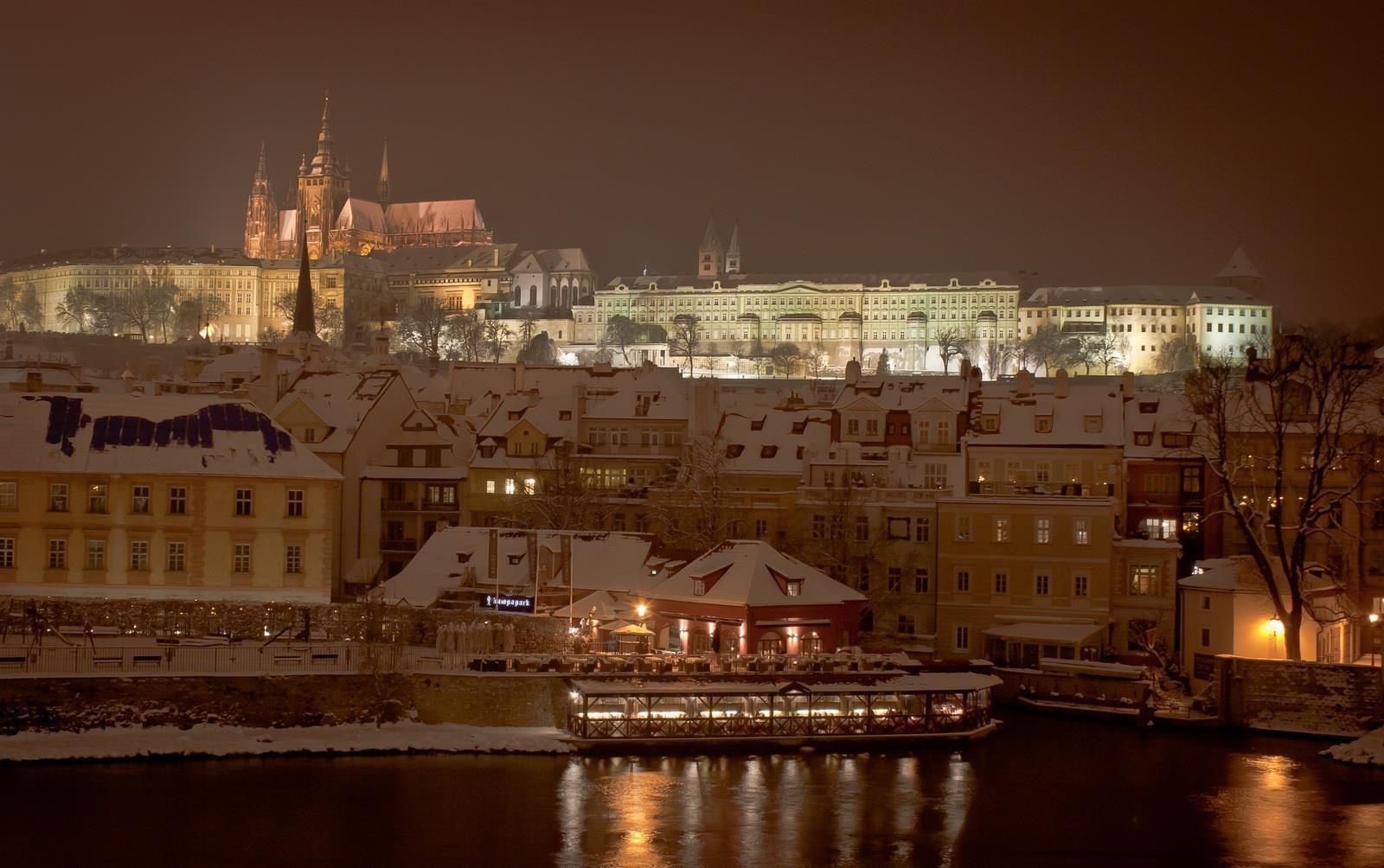 Hrad a sníh - Foto: Marek Nahodil
