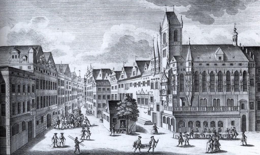 1740 - Pohled na Staroměstskou radnici od východu roku 1740. Okna východního křídla mají ještě zašpičatělý tvar. - Foto vybral a popisky pořídil facebookový profil Staroměstská radnice v Praze