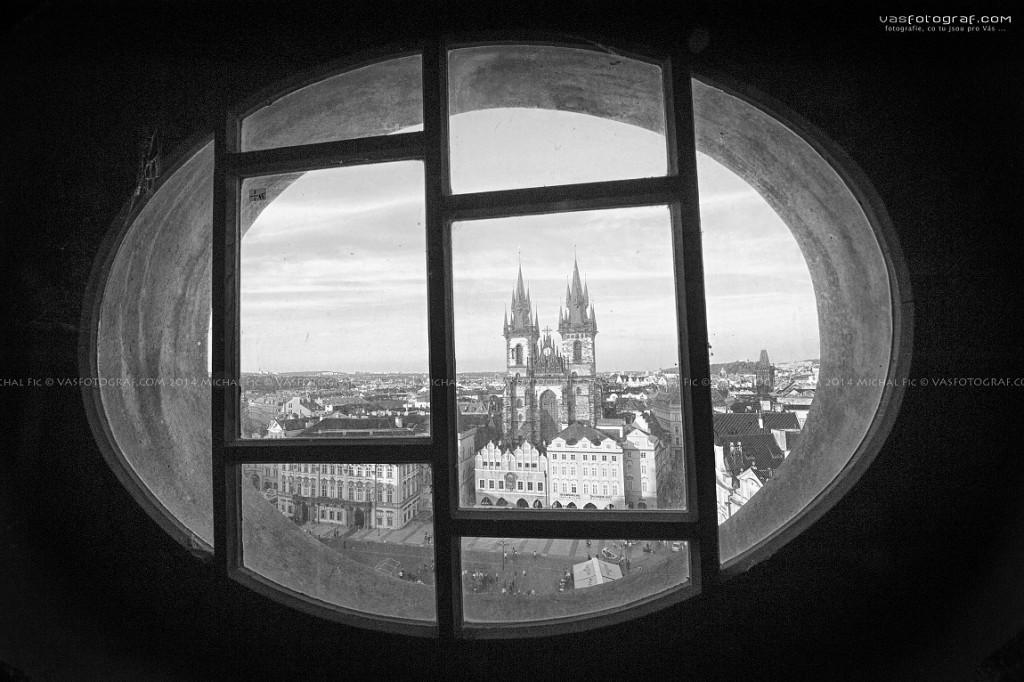 Ze Staroměstké radniční věže na Týn - Foto: Michal Fic