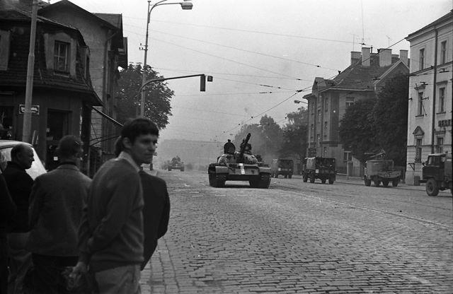 Železné vozy jezdí v městě nad Vltavou - Děkujeme panu Dušanu Neumannovi za poskytnutí fotografii, jejichž je autorem