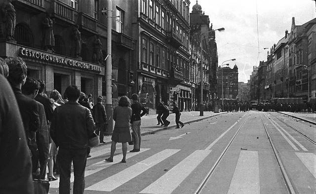 21.8.1969 - Praha, Na Příkopech - Foto: Dušan Neumann