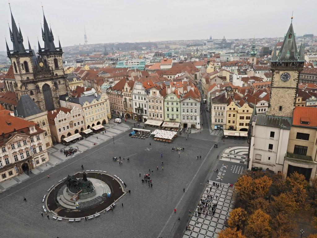 Nezvyklý pohled na Staroměstské náměstí. Ten Mariánský sloup by mu jistě slušel - Foto: Eugen Kukla