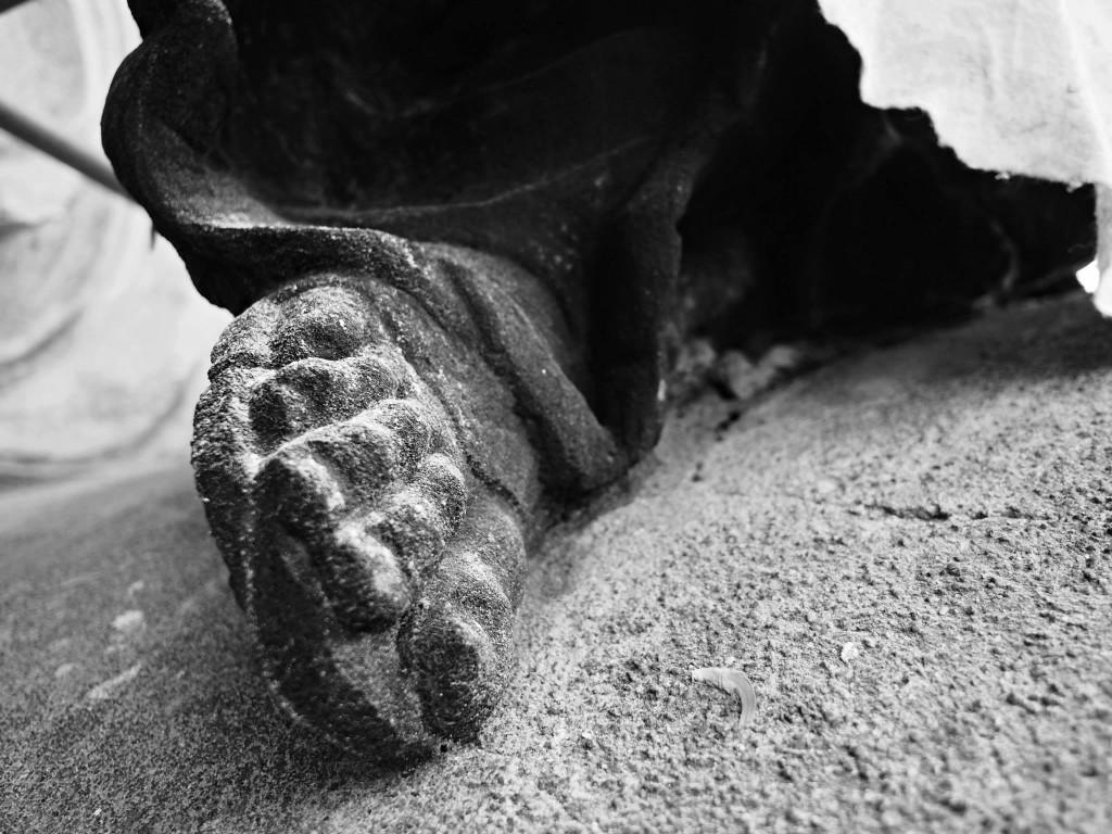 Svatého sandály. Staroměstský chrám Sv. Mikuláše. Praha 12.XI.2014 - Foto: Eugen Kukla