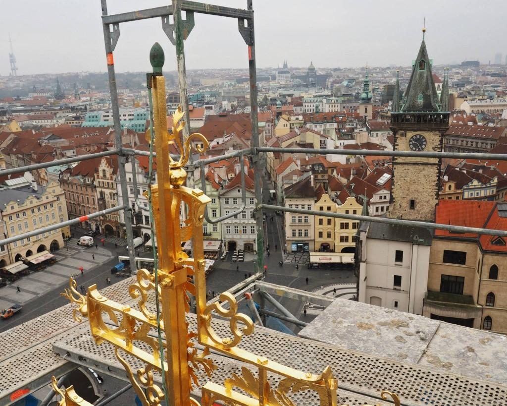 Na vrcholku. Staroměstský chrám Sv. Mikuláše. Praha 12.XI.2014 - Foto: Eugen Kukla
