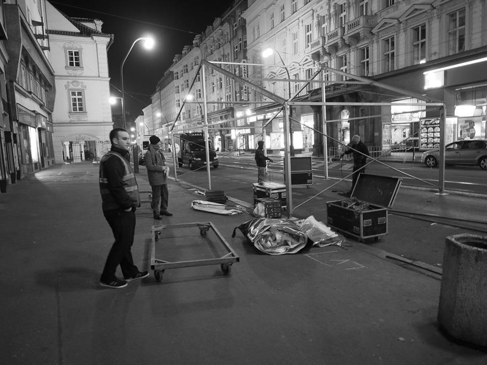 Na Národní se staví. 17.XI.2014 brzo ráno - Foto: Eugen Kukla