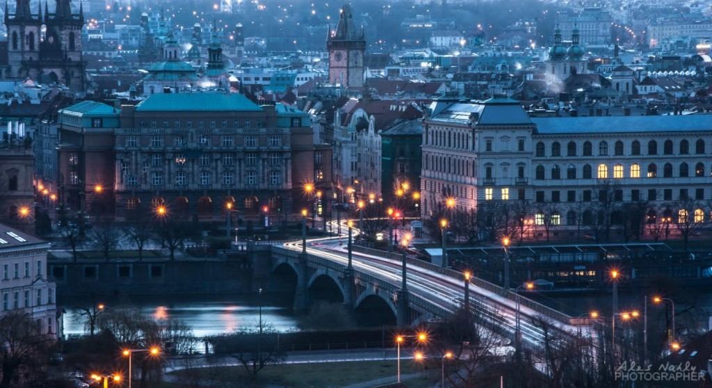Probouzející se město - Foto: Aleš Náhlý