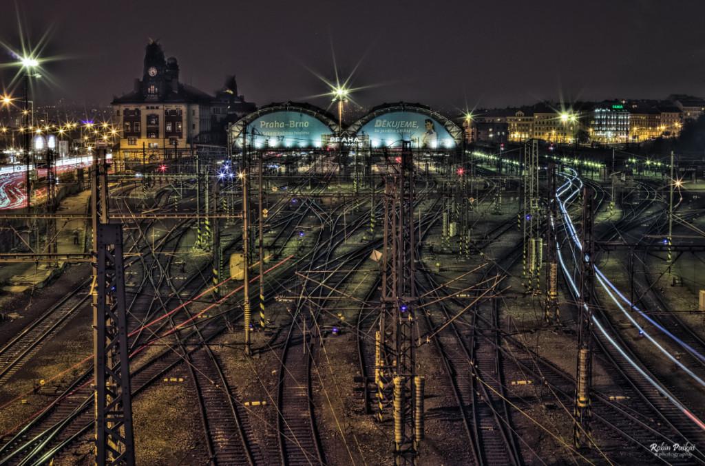 Pohled od Muzea na Hlavní nádraží… můj vlak měl zpoždění, tak jsem si fotil - Foto: Robin Puškáš