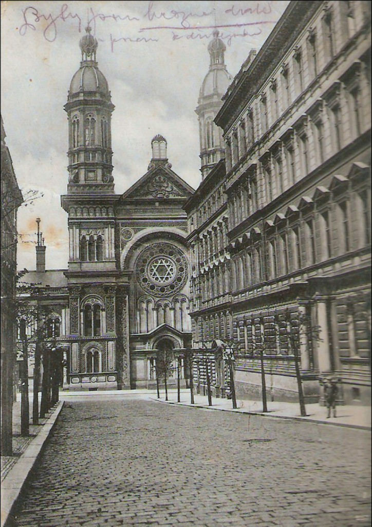 Vinohradská syngoga při pohedu z Moravské ulice