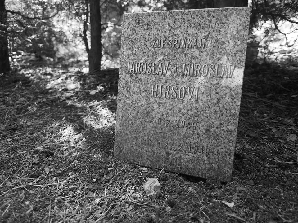 Dvojčata Jaroslav a Miroslav Hiršovi - * 9.2.1949 - † 26.2. a 27.2. 1949 - Foto: Eugen