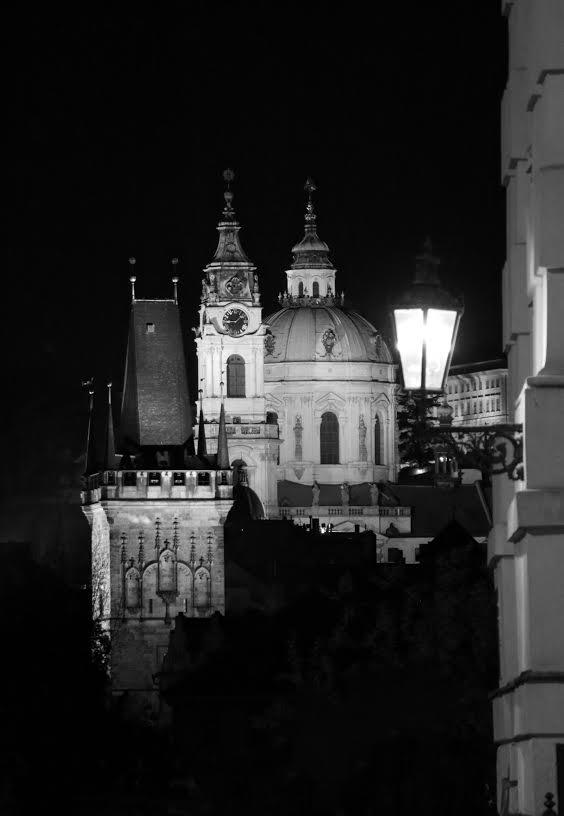 Černobílá nálada s lucernou - Foto: Martin Zdražil
