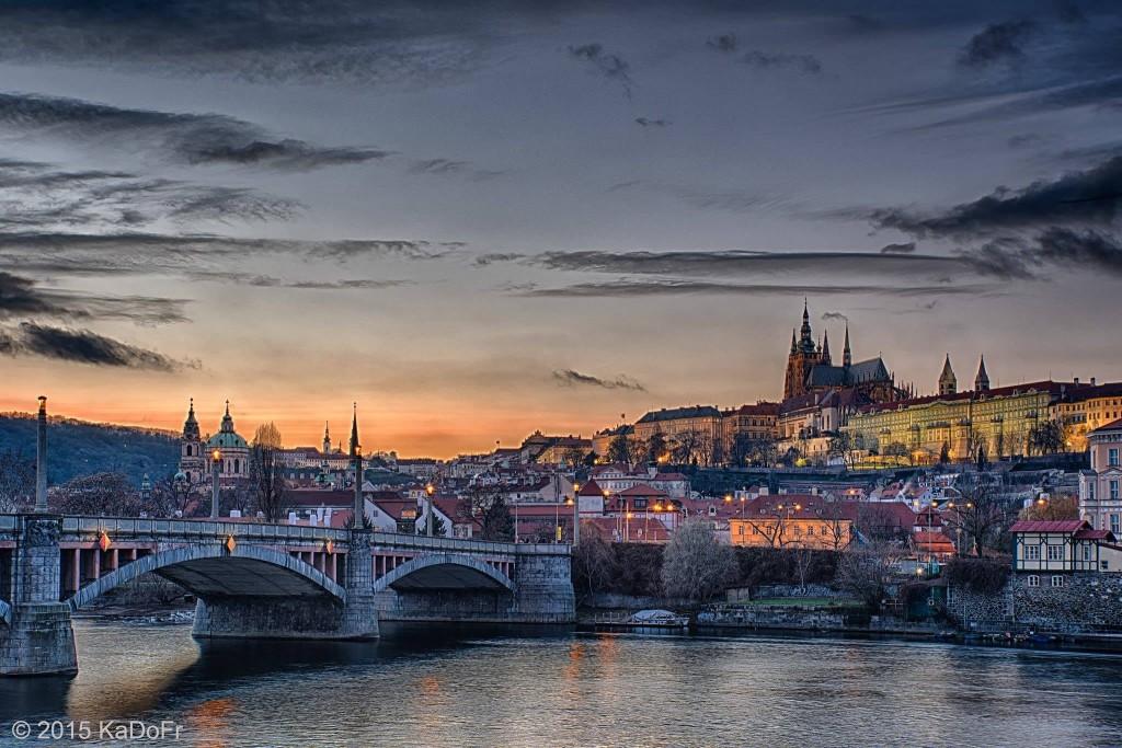Hradčany při západu slunce - Foto: Karel Dobeš