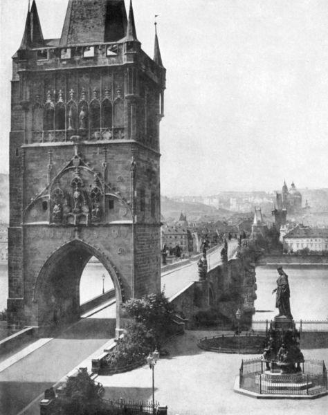 Mostecká věž a Karlův (tehdy nazýaný Kamenný) most. Rovněž z roku 1856. - Foto: Andreas Groll