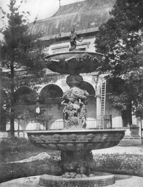 Renesanční Zpívající fontána a za ní letohrádek Belvedér. (1856) - Foto: Andreas Groll (1856)