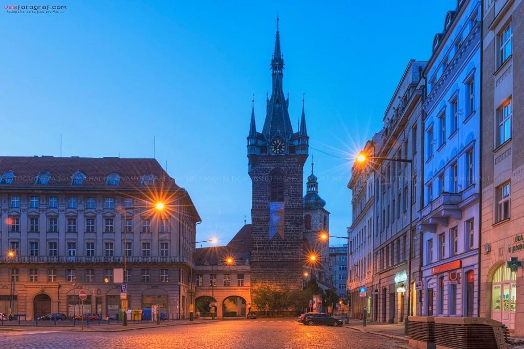 Senovážnému náměstí dominuje Jindřišská věž - Foto: Michal Fic