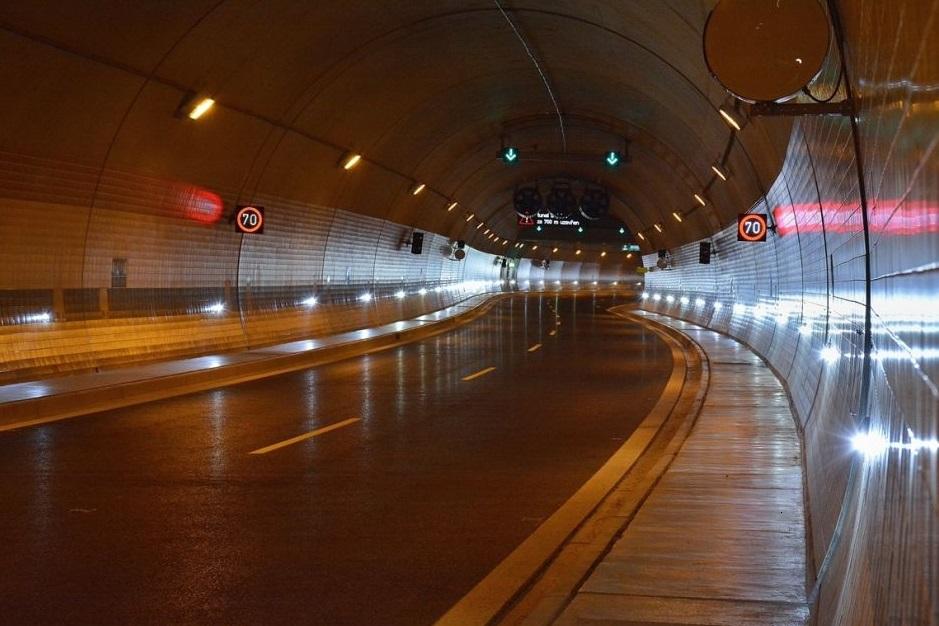 Tunel pár hodin před otevřením - Foto: Petr Bušta - Český rozhlas 1 - Radiožurnál