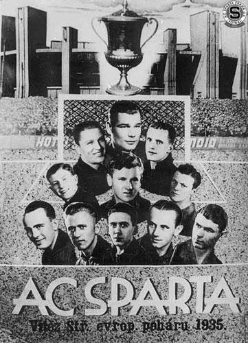 Vítěz středoevropského poháru v roce 1935. Sestava (seshora, zleva): Klenovec, Burgr, Čtyřoký, Košťálek, Bouček, Srbek, Faczinek, Zajíček, Braine, Nejedlý, Kaloczay. - Foto: archvi Sparta Praha