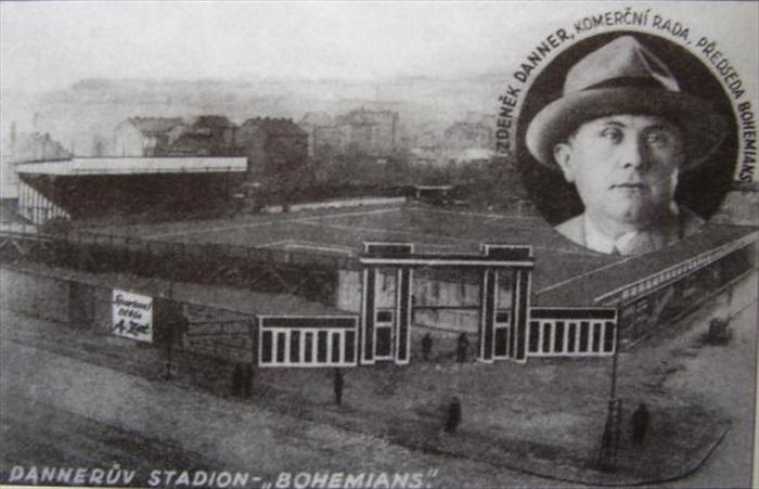 Zdeněk Danner se svými stadionem pro 18 tisíc diváků - Archiv: bohemians.cz