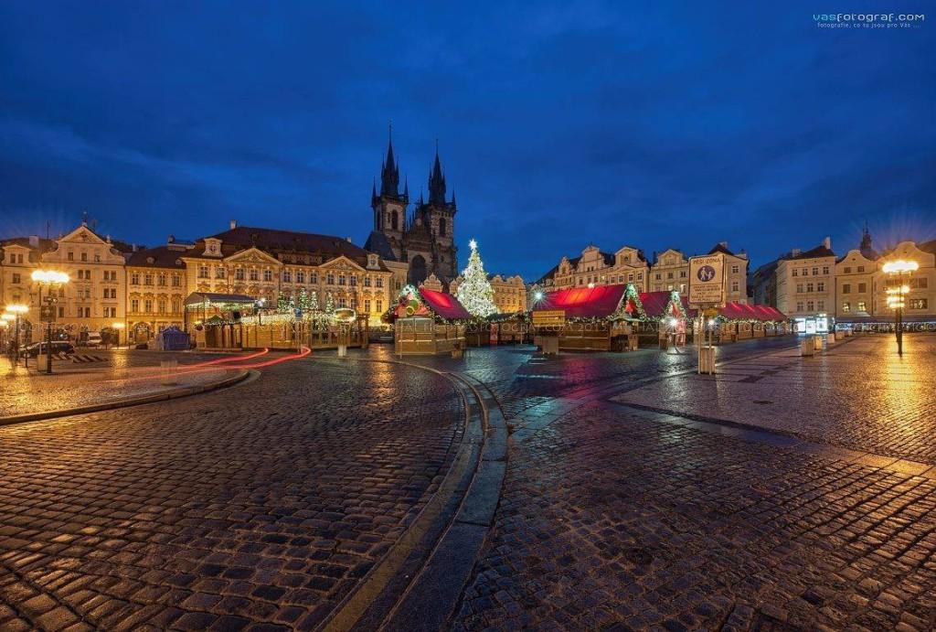 Staroměstské náměstí je tradičním centrem oslav adventních svátků - foto: Michal Fic; vasfotograf.com