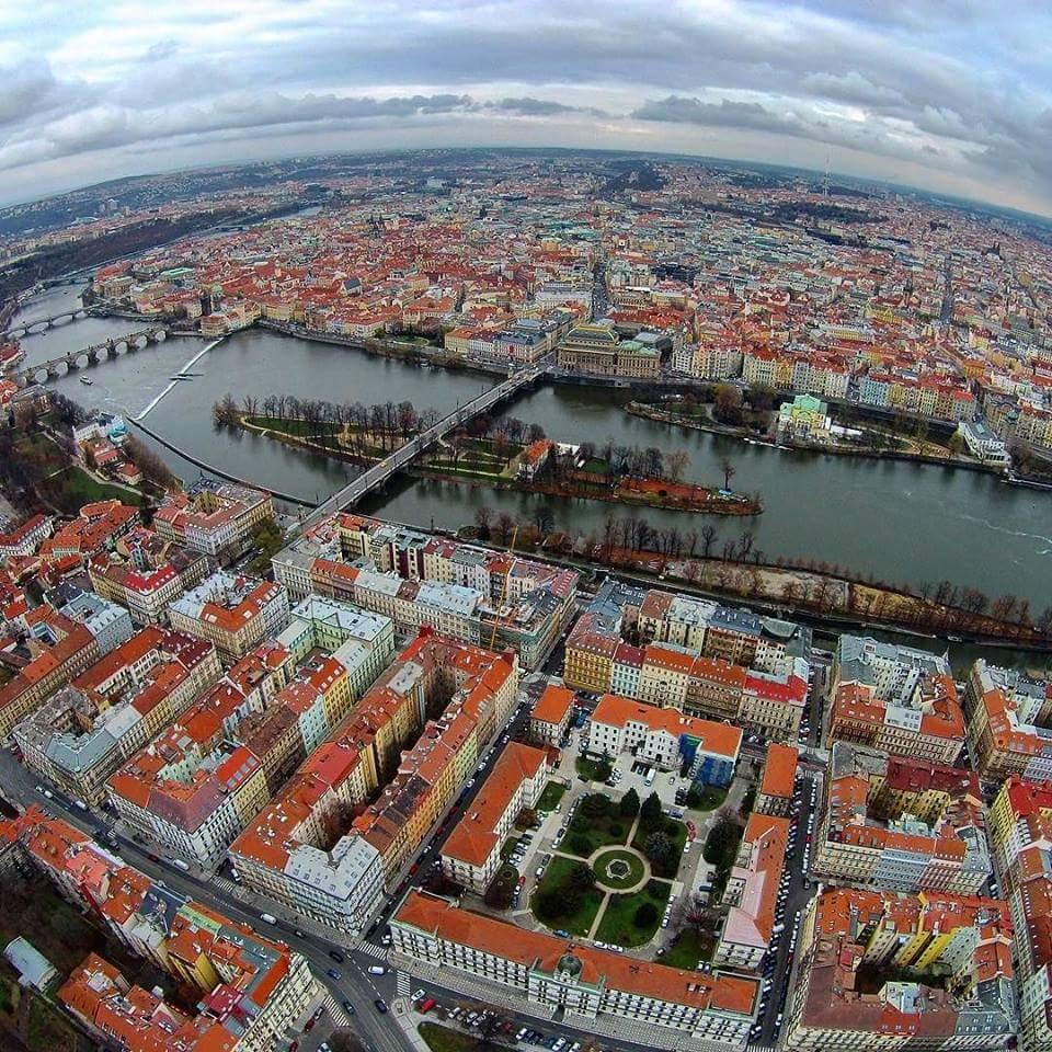 Podzimní Praha - Foto: Anatolij Lapin