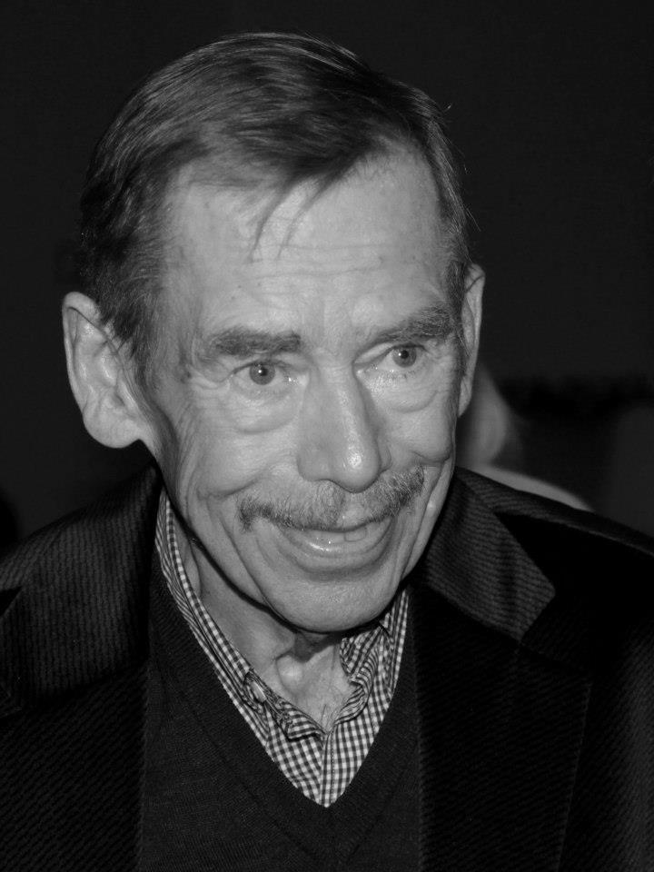 Václav Havel na oslavě svých posledních narozenin 1. října 2011 v Doxu. - Foto: Eugen Kukla