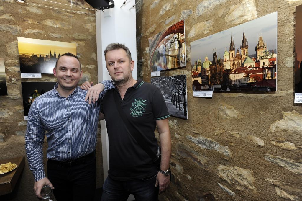 Fotografové Michal Fic (vlevo) a David Šedivý - Foto: Praha 1