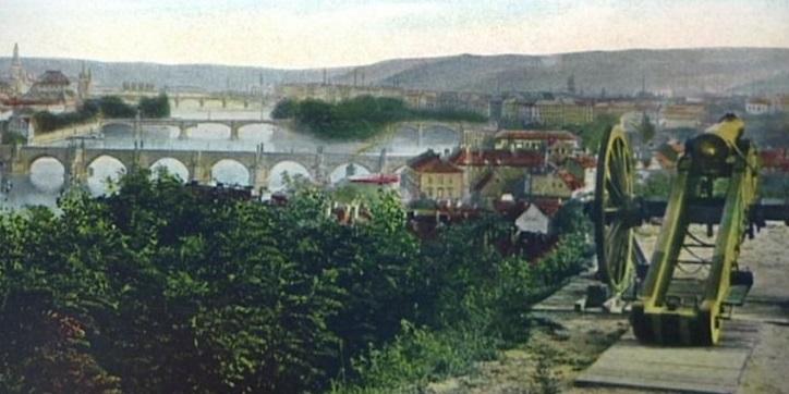 Dělo na baště svaté Máří Magdalény, ze kterého se v Praze střílelo poledne