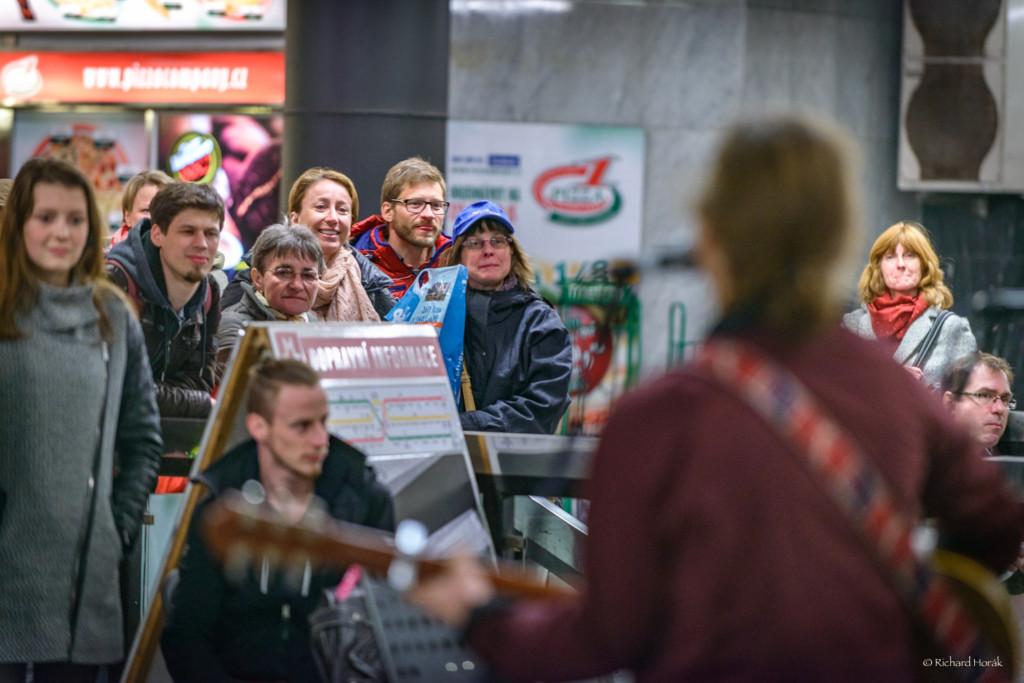 Nalaďte se v metru - Foto: Richard Horák