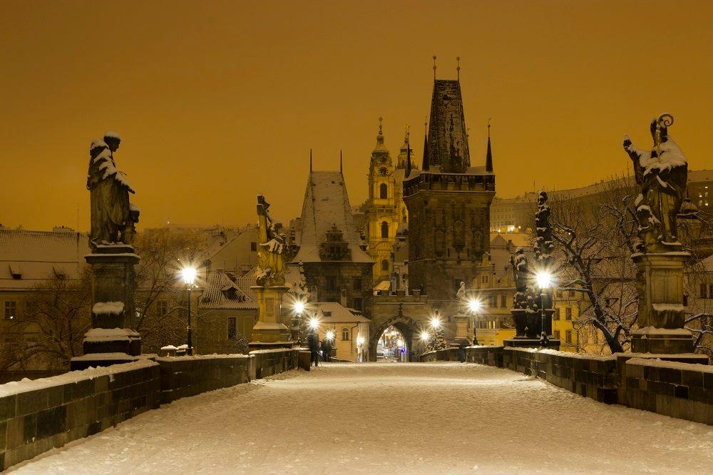 Karlův most pod sněhem - Foto. Iva Bystráková