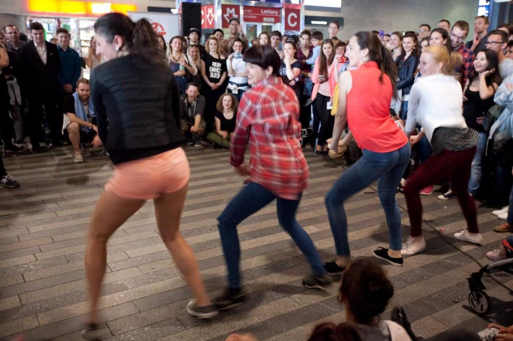 Tanec v metru 2016 - Foto: David Tichý