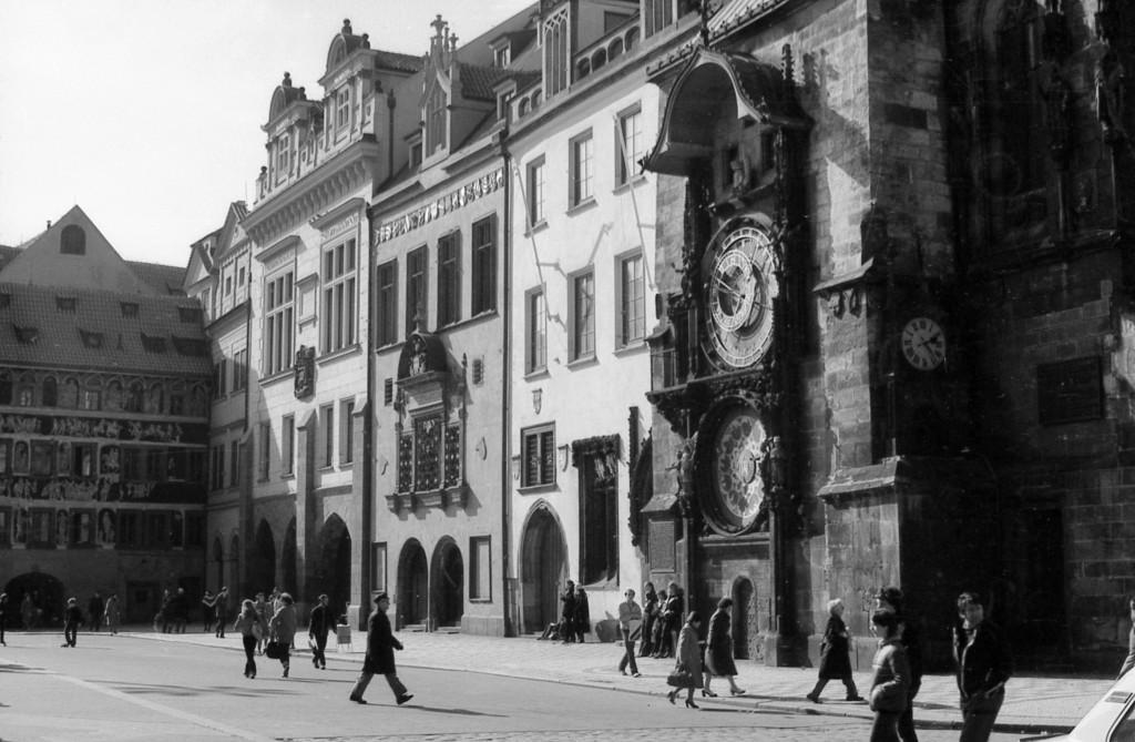 Staroměstská radnice s orlojem; 1981 - Foto: Miroslav Fapšo