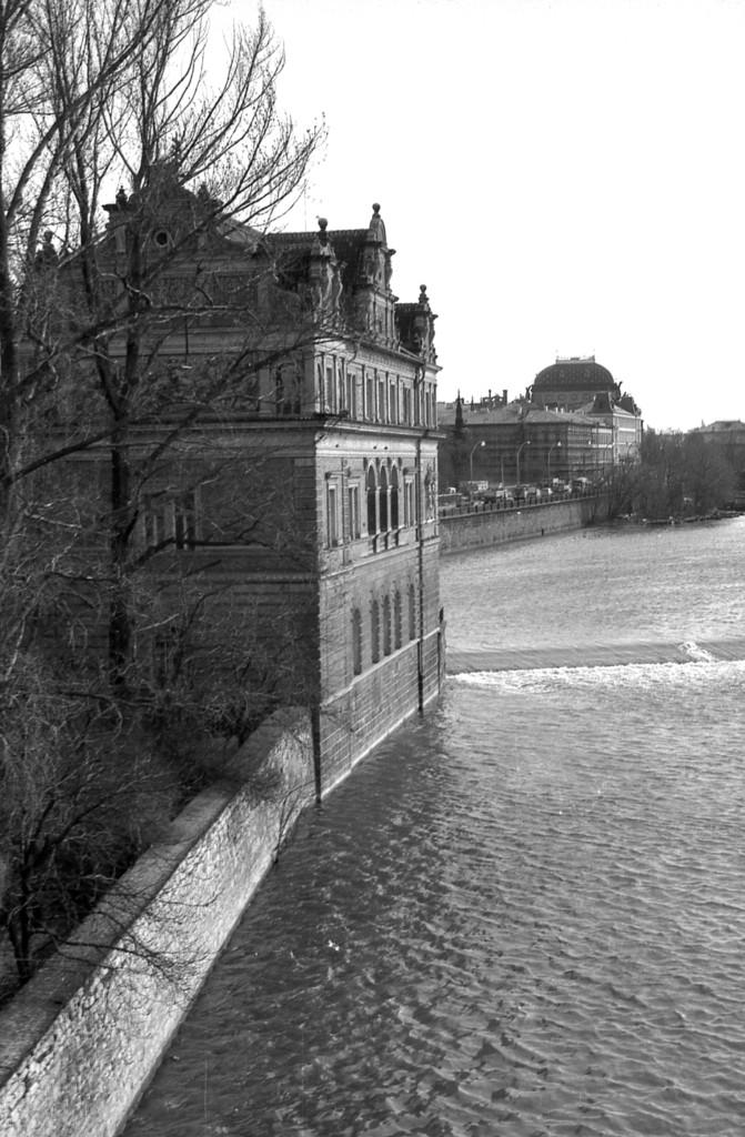 Nábřeží; 1981 - Foto: Miroslav Fapšo
