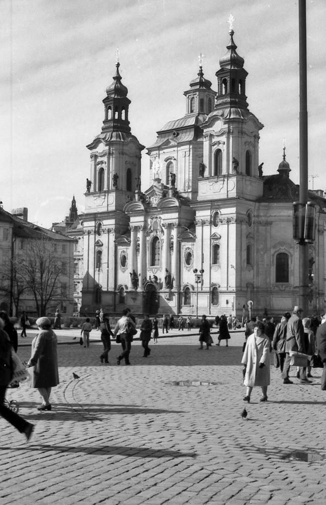 Chrám svatého Mikuláše na Staroměstském náměstí; 1981 - Foto: Miroslav Fapšo