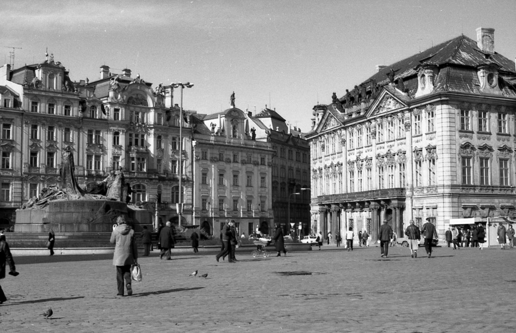 Staroměstské náměstí; 1981 - Foto: Miroslav Fapšo