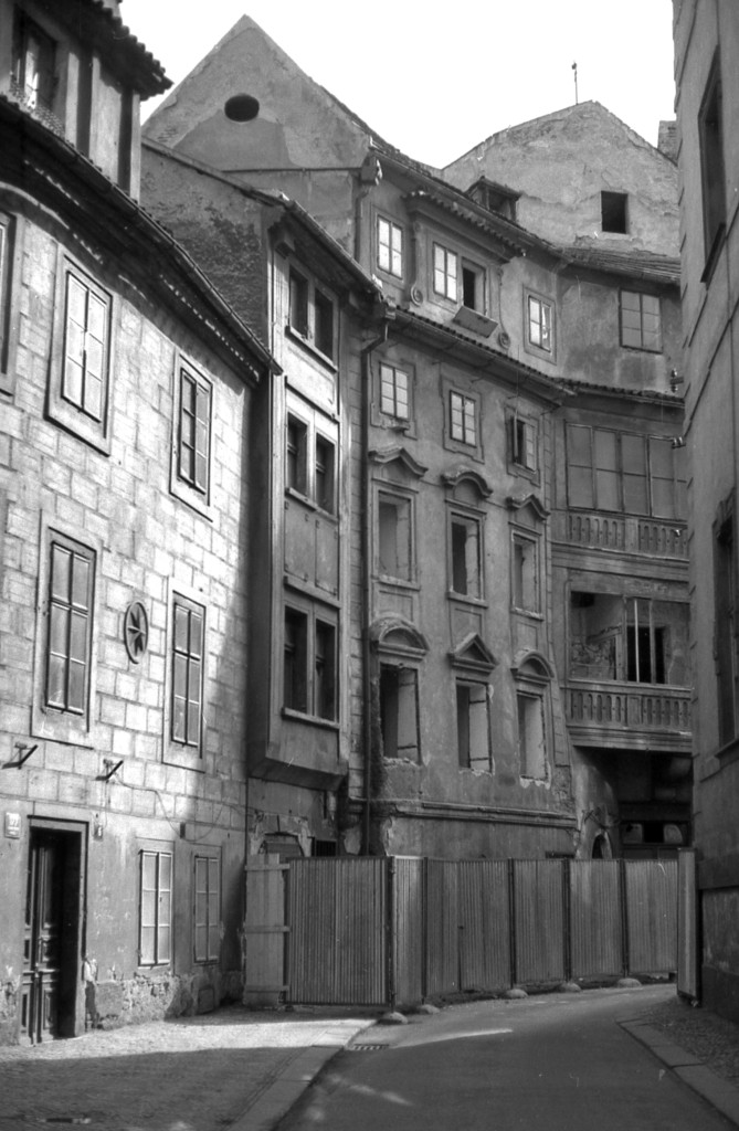 Staré pražské domy; 1981 - Foto: Miroslav Fapšo