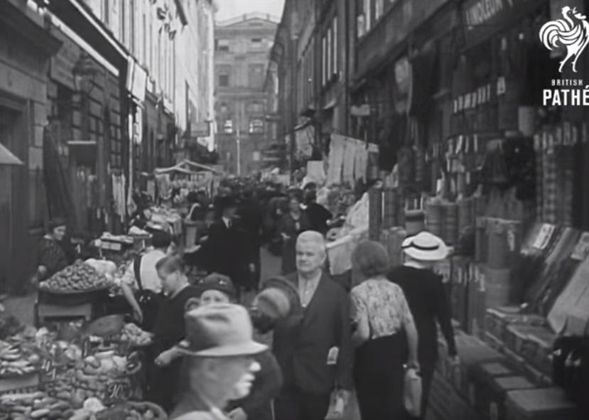 Trh V Kotcích - Foto: Repo z British Pathé