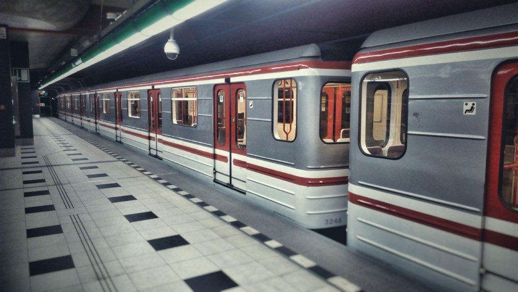 Bezplatné wifi připojení funguje na nejnovější trase metra A mezi Nemocnicí Motol a Dejvickou. - Foto: Martin Dobrovodský