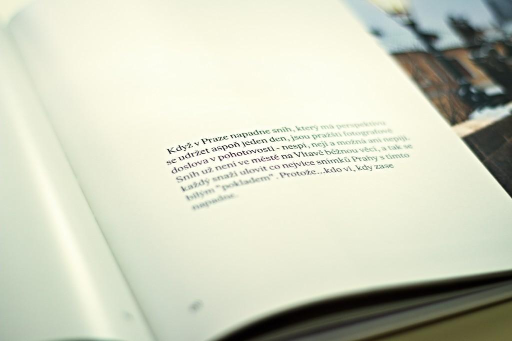 David Šedivý doprovodil své fotografie v knize krátkými texty. Knihu objednávejte na Eshopu Miluju Prahu.