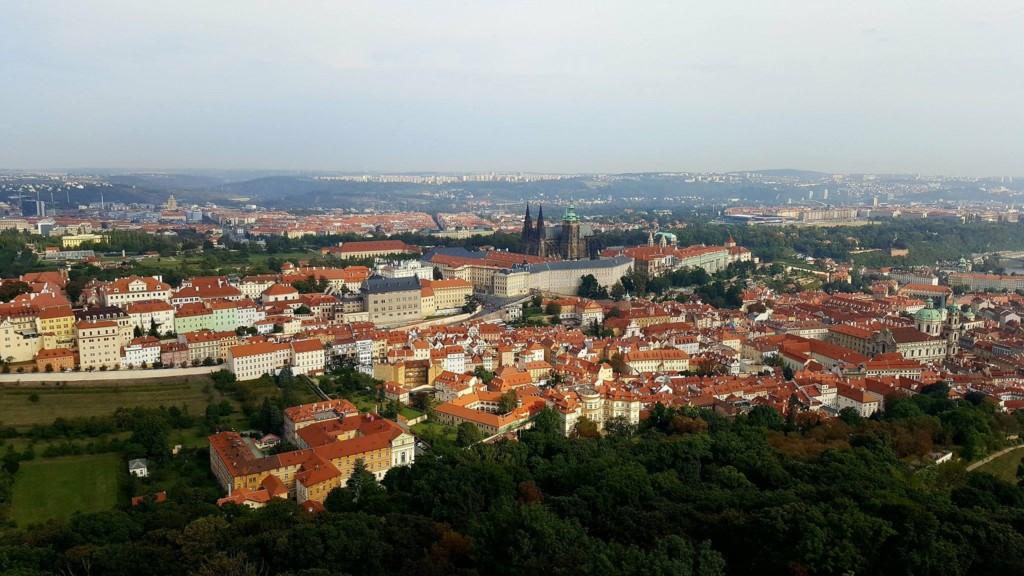 Vyhlídka na Pražský hrad z Petřínské rozhledny - Foto.: David Černý - Miluju Prahu.cz