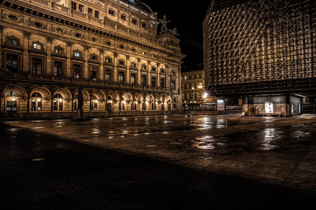 Dlouho jsem se chystal na focení Národního divadla a tady je výsledek. - Foto: Milan Bachan