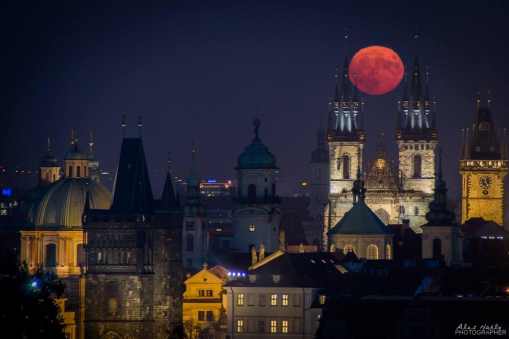 Superměsíc - Foto: Aleš Náhlý