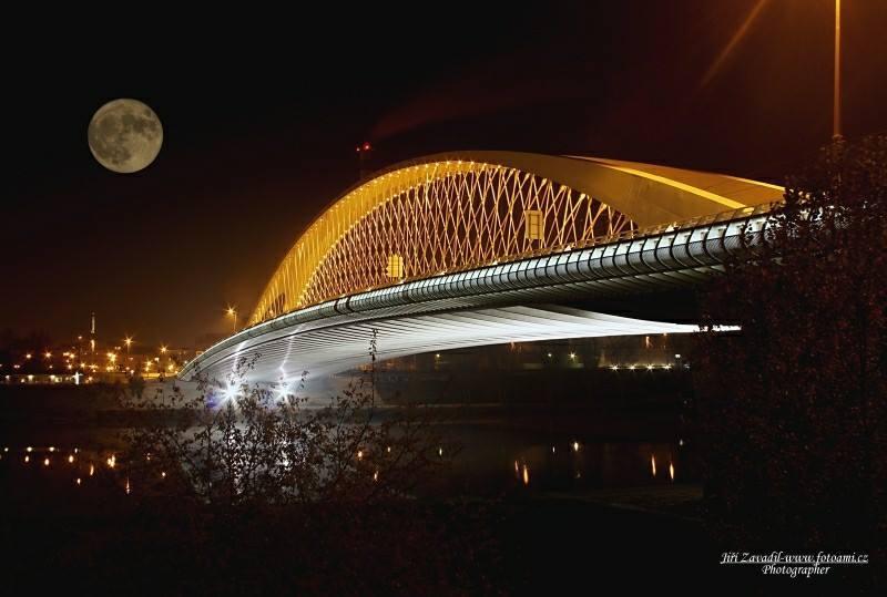 Superměsíc v Tróji - Foto: Jiří Zavadil